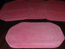 ROMANY GYPSY WASHABLES NEW PlAIN DESIGN FULL SET OF 4 BRIGHT PINK MATS BARGAIN